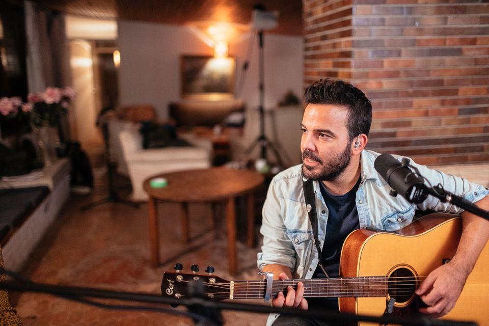 Juan Zelada ha grabado un nuevo videoclip en directo con su banda dentro de lo que ha llamado las Cercedilla Sessions para la canción Todo el dolor.