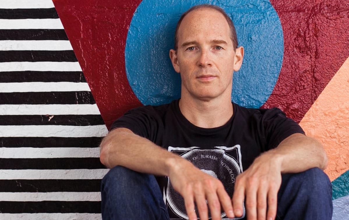 Caribou critica a las empresas que están contratando a DJs para pinchar en fiestas virtuales