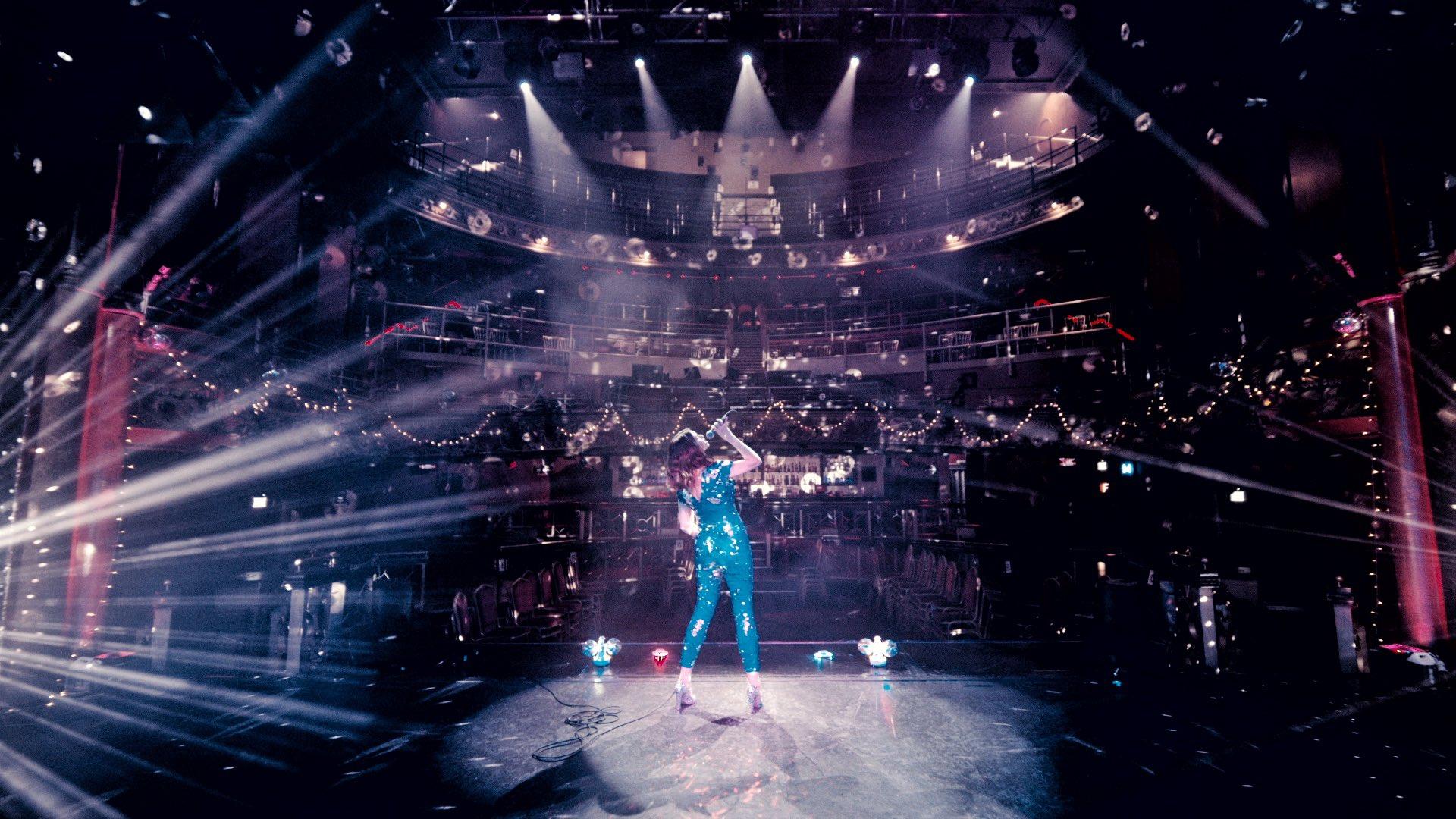 Sophie Ellis-Bextor sorprende en Halloween con una improvisada versión de Kate Bush
