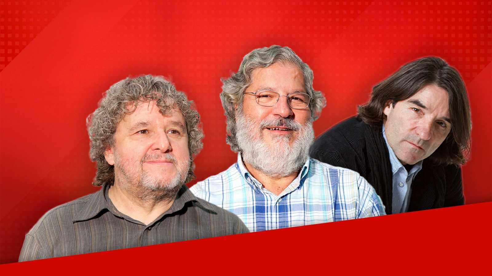 Julio Ruiz (Disco Grande), José Miguel López (Discópolis) y Javier Tolentino (El Séptimo Vicio) se despiden de sus oyentes antes de su jubilación