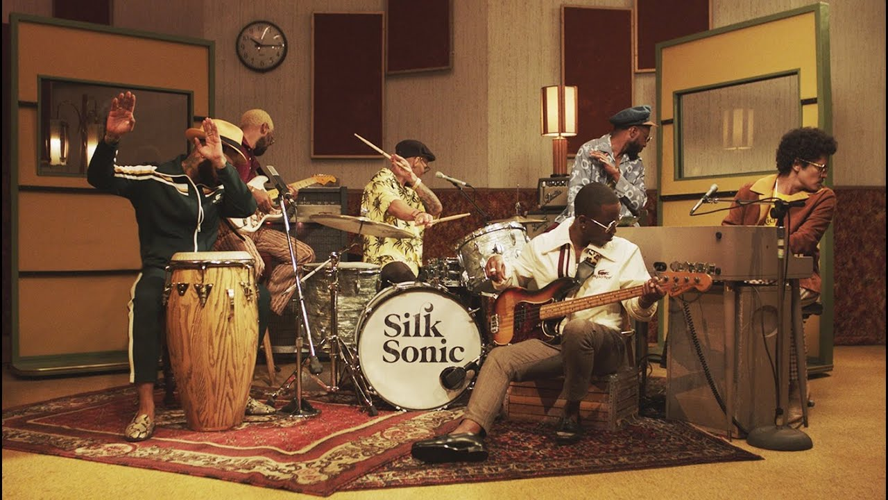 Silk Sonic retrasan la publicación de su disco debut a enero de 2022